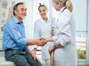 Осмотр пациента у артролога