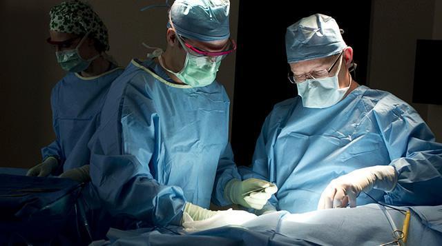 Оперативное иссечение опухоли