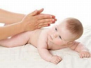 кривошея у младенца