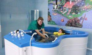 Гидрокинезотерапия в басейне