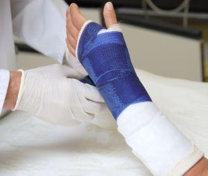 иммобилизация травмированной руки